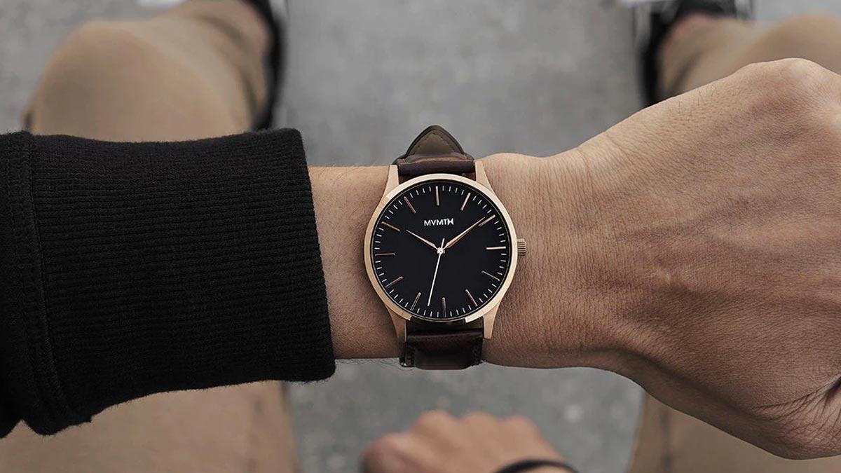Elegantné hodinky MVMT s koženým remienkom