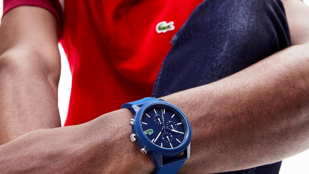 Modré športové hodinky Lacoste 12.12