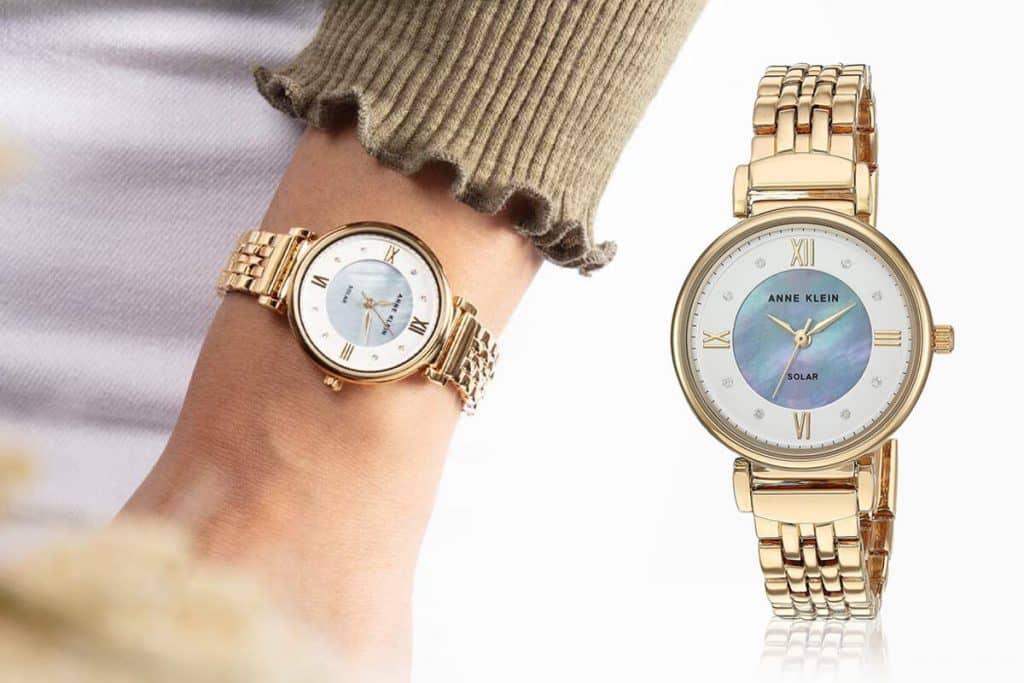 Slnkom poháňané hodinky Anne Klein z kolekcie Considered
