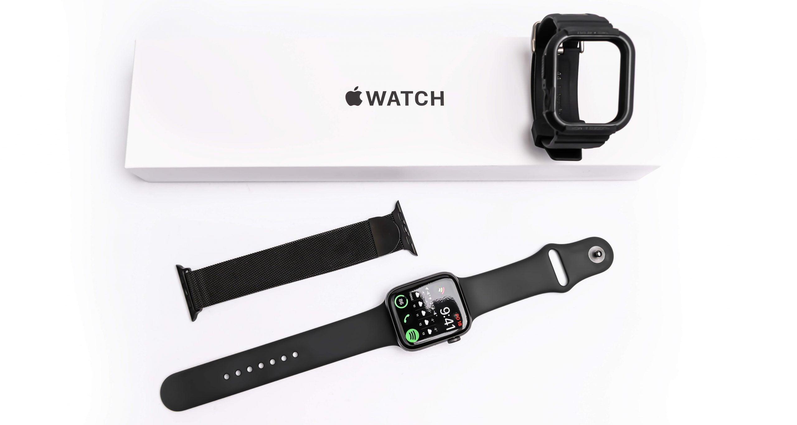 Apple Watch SE sú na trhu dostupné s veľkým množstvom vymeniteľných remienkov