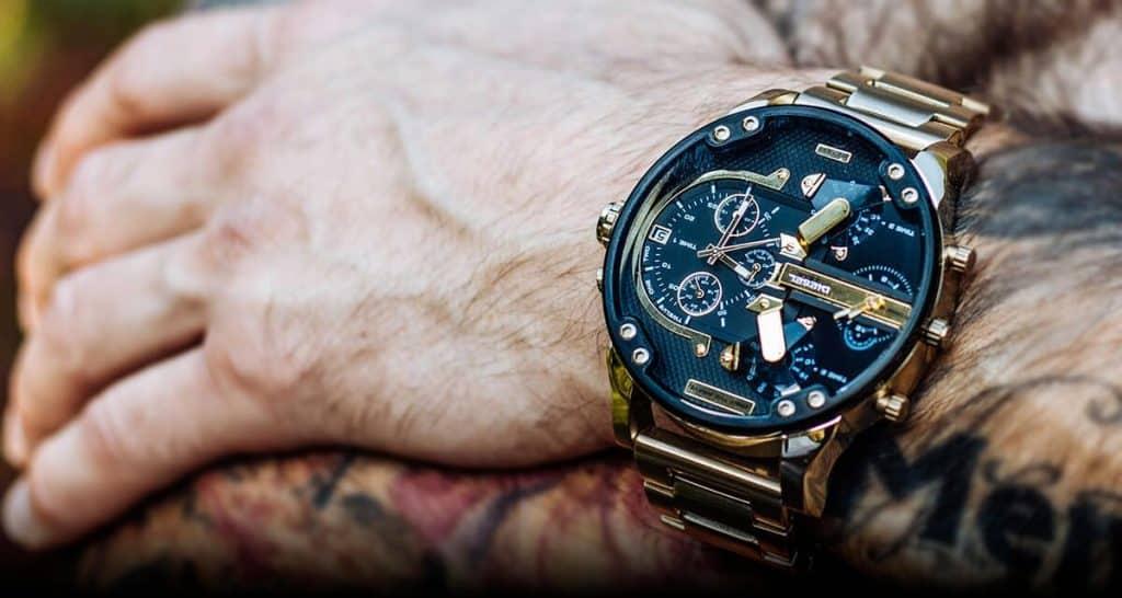 Neprehliadnuteľné pánske hodinky Diesel DZ7333