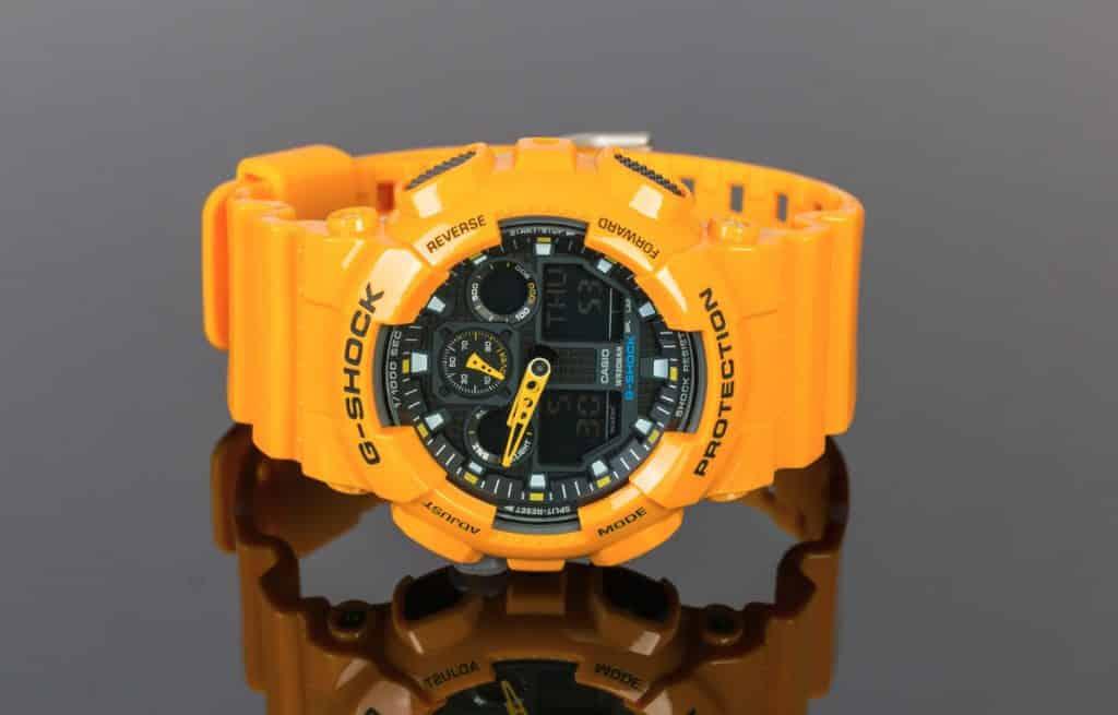 Žlté hodinky Casio G-Shock z edície GA-100