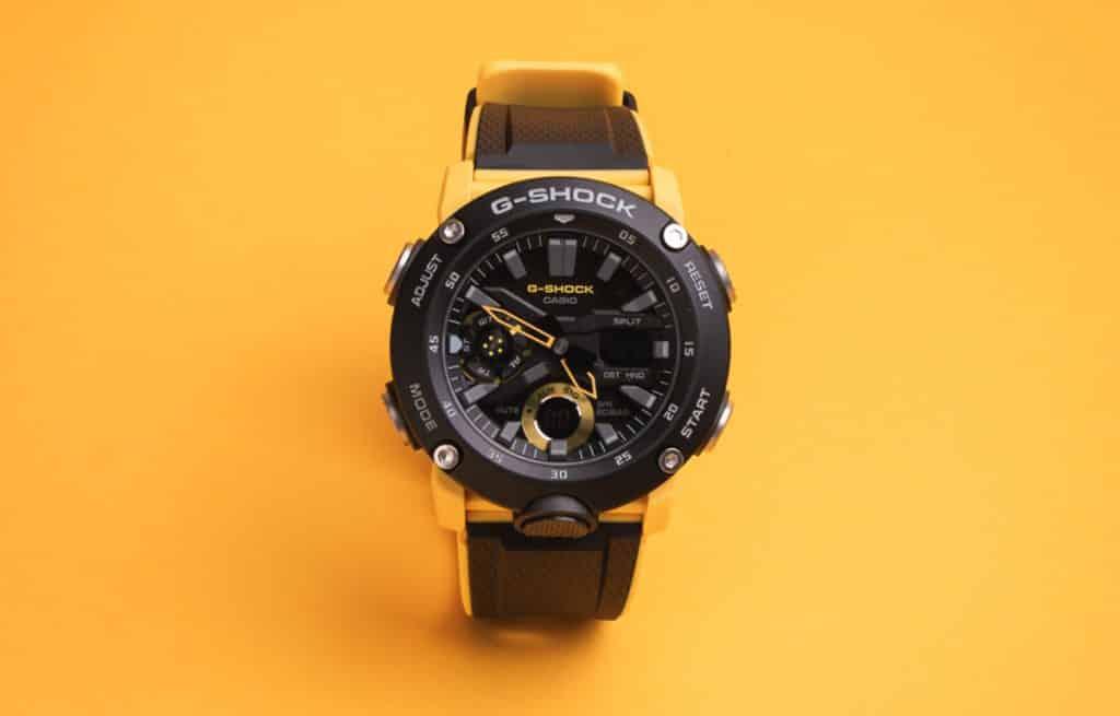 Casio G-Shock GA-2000 Carbon Core Guard patria k tým najvymakanejším cenovo dostupným modelom značky