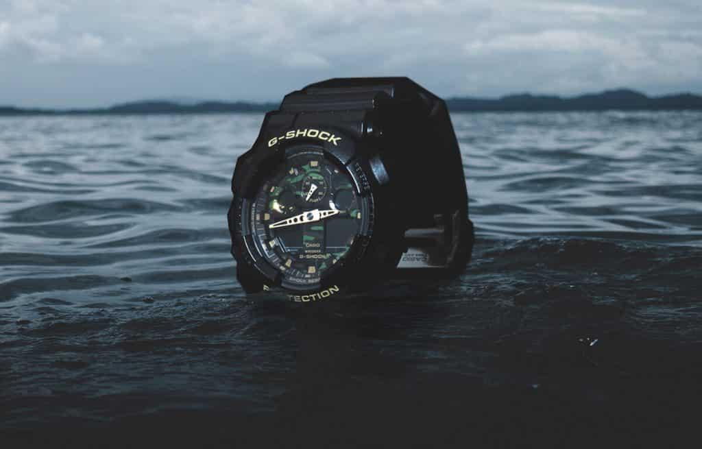 ojenské hodinky Casio G-Shock s maskáčovým ciferníkom