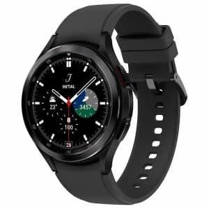 Najvyššia modelová rada Samsung Galaxy Watch 4 v čiernom prevedení